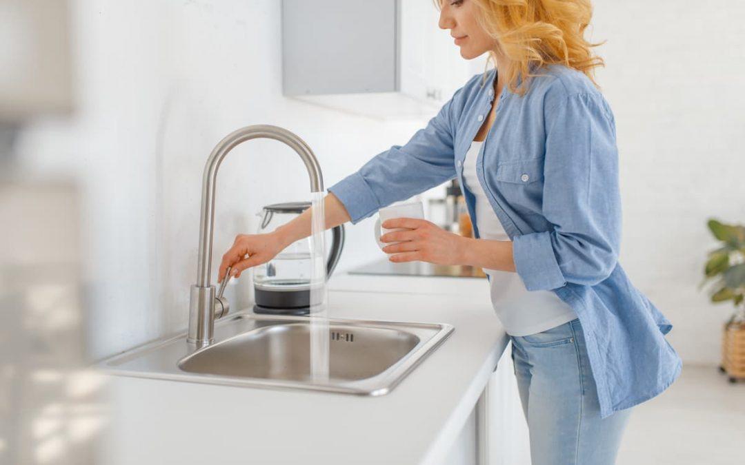 Ripartizione spese dell'acqua nei condomini: come funziona e come vengono suddivise le spese