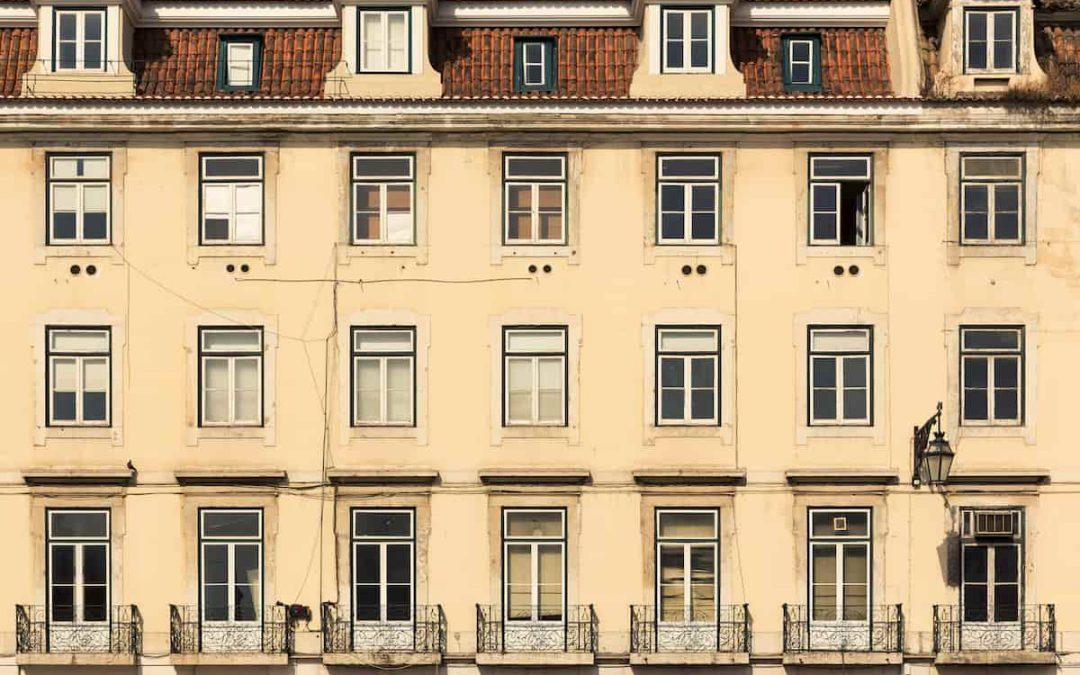 La facciata di un edificio condominiale: gestione, usi e innovazioni