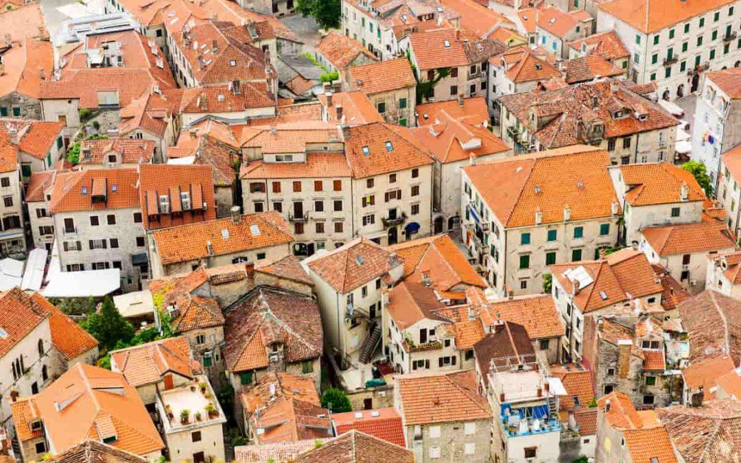 Lastrici solari, tetti e terrazze: la ripartizione delle spese in condominio