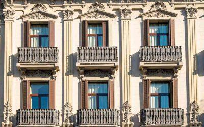 Balconi aggettanti: come incide questa tipologia di balconi sulla proprietà e sulla ripartizione delle spese condominiali?