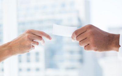 Delega all'amministratore di condominio per assemblea condominiale: si può fare?